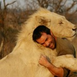 Kevin Richardson: increible amistad con animales salvajes